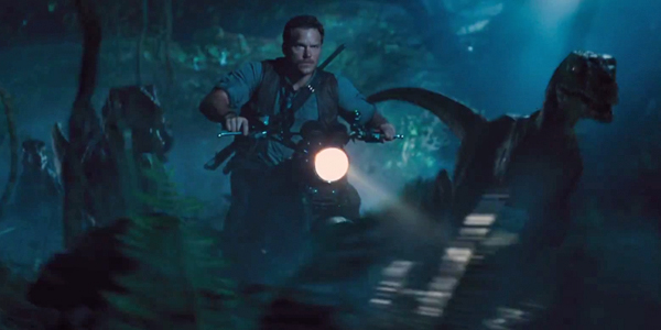 Jurassic-World-Trailer-Chris-Pratt-Motorcycle-Raptor
